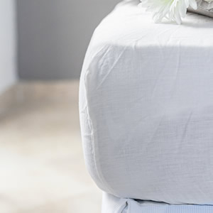 Luxury fitted sheet made from linen