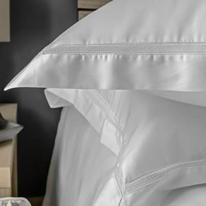 Victoria Collection cotton Oxford pillowcases