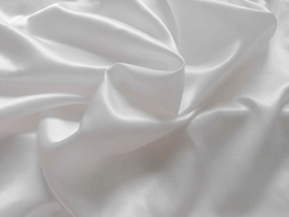 Bed Linen with Satin Fibres